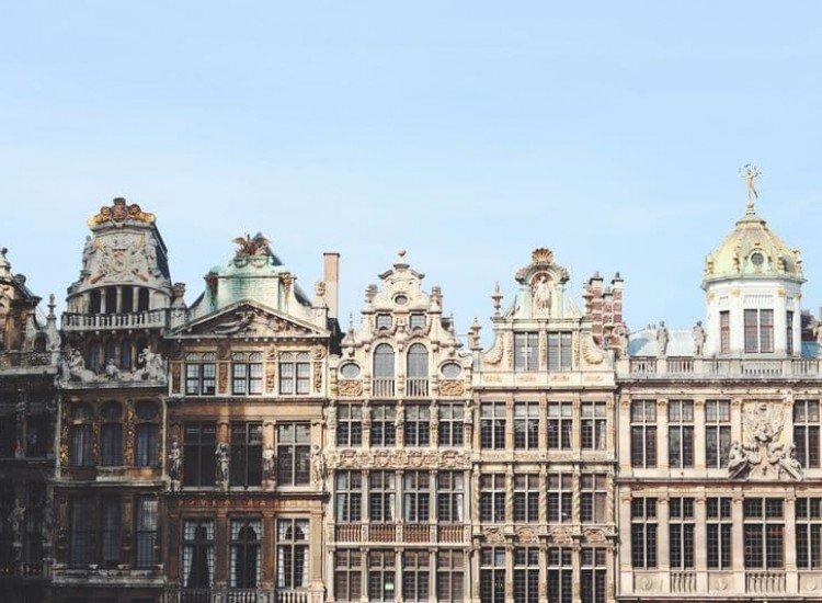 Сгради и забележителности-Фототапет Европейска сграда