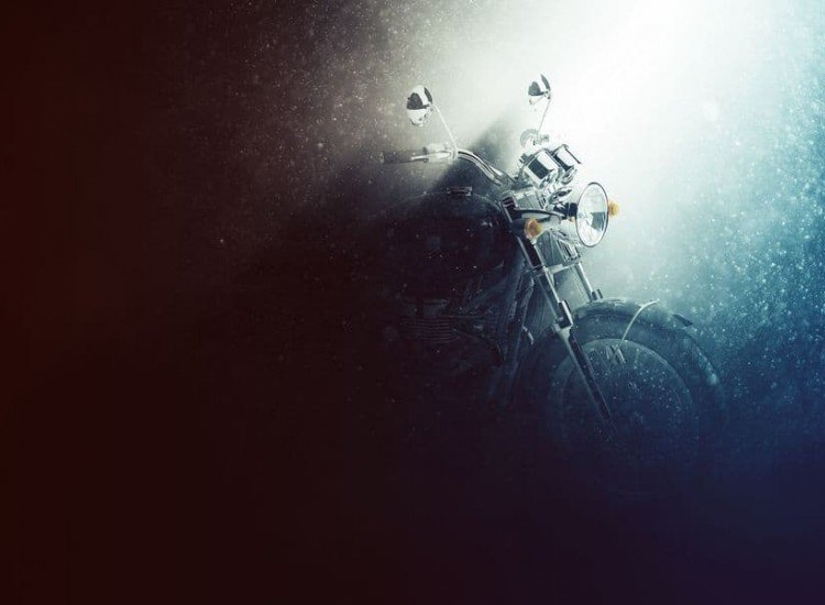 Автомобили и транспорт-Фототапет Мотоциклет в мъгла