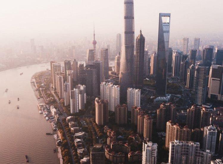 Градски пейзажи-Фототапет Гледка към града от покрива