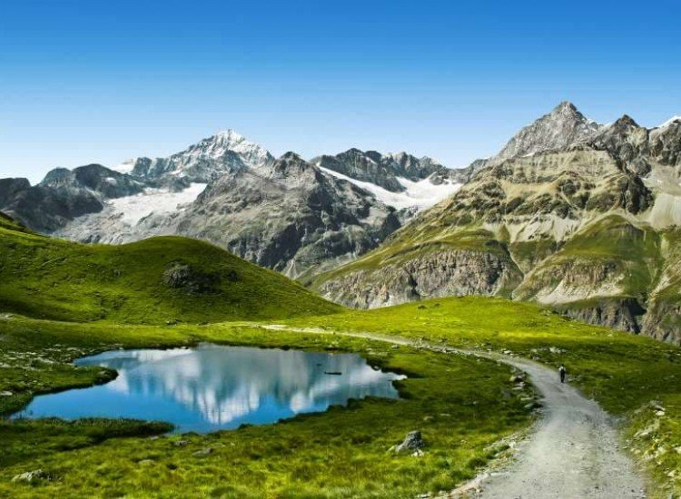 Пейзажи и природа-Фототапет Пътека към върха