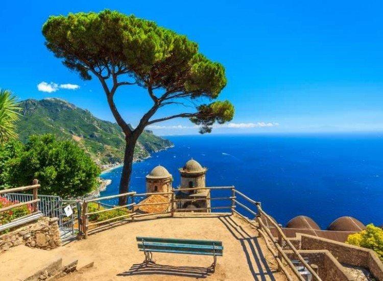 Морски и тропически-Фототапет Панорамен изглед към Равело