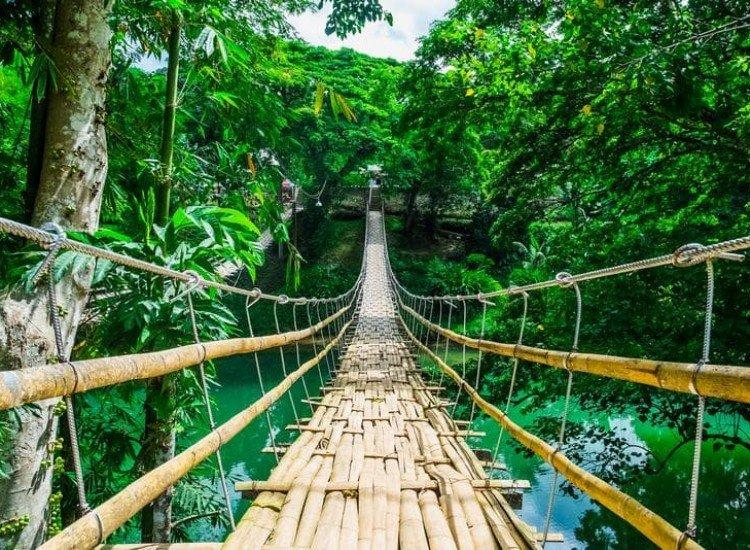 Пейзажи и природа-Фототапет Висящ мост над река