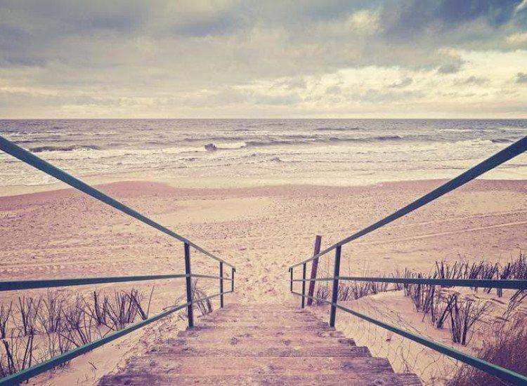 Морски и тропически-Фототапет Винтидж стълби към плажа
